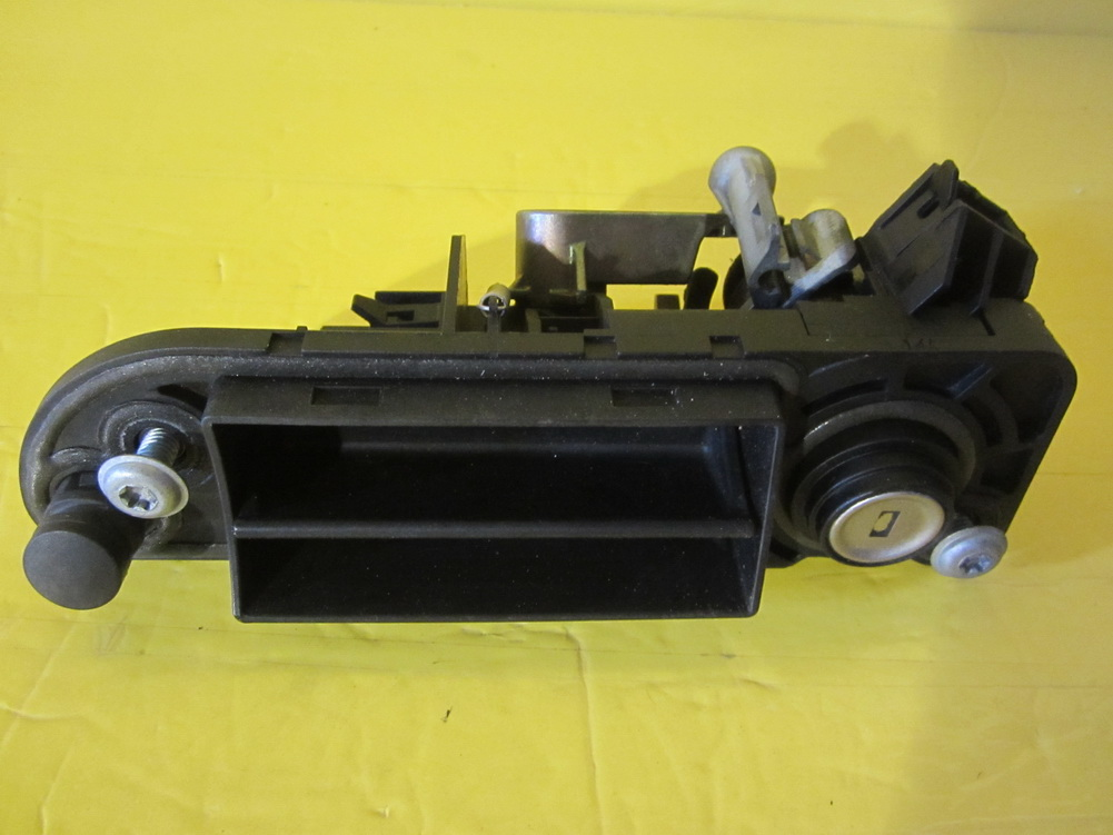 Mercedes benz trunk lock please check used auto parts for Mercedes benz car parts