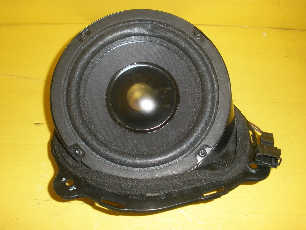Mercedes benz speaker 1708203402 used auto parts for Mercedes benz audio upgrades