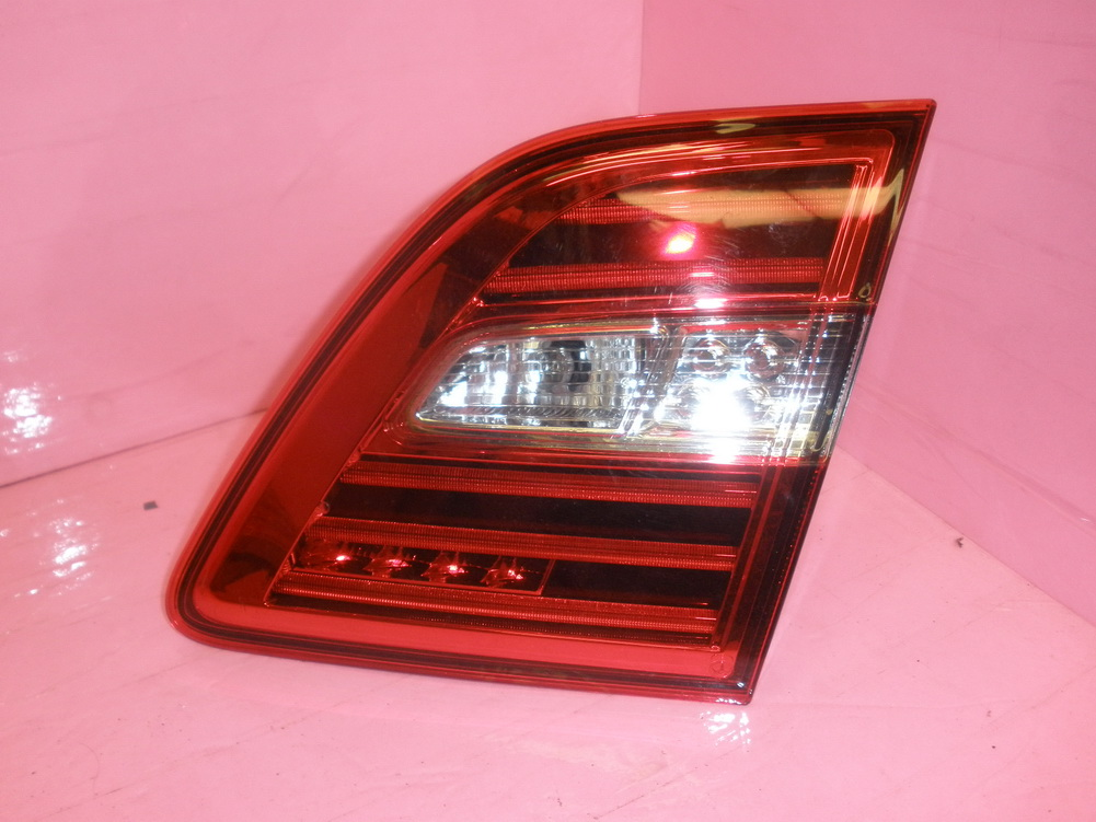 Mercedes benz tail light on rear gate 166 used auto for Mercedes benz srs light