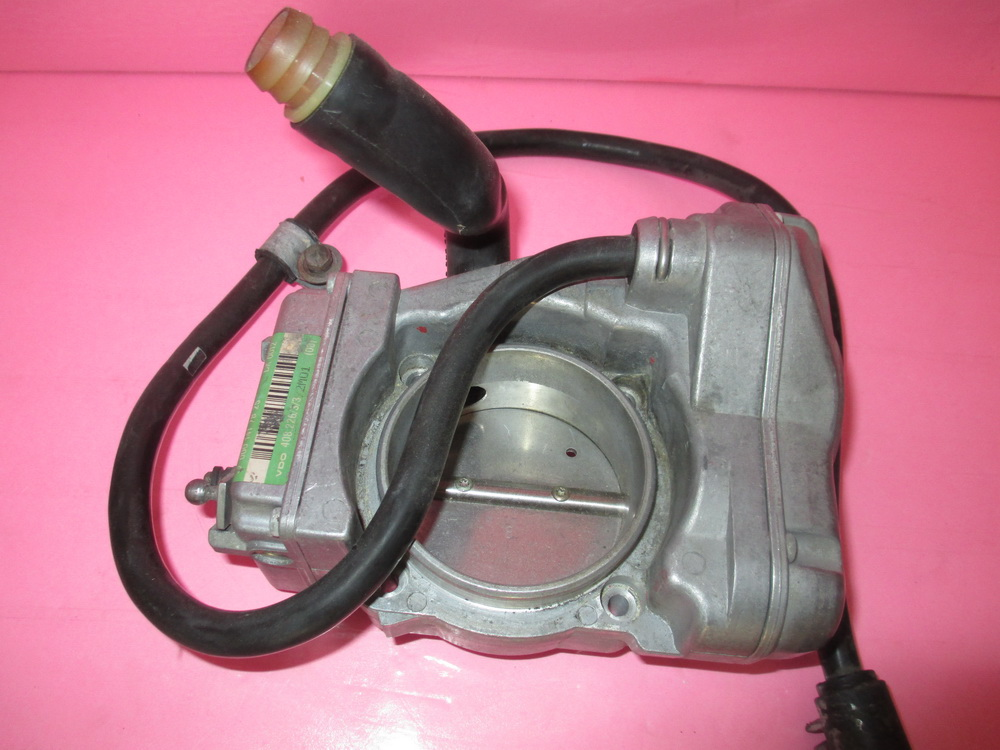 Mercedes benz throttle body 0001417825 used auto for Mercedes benz body parts