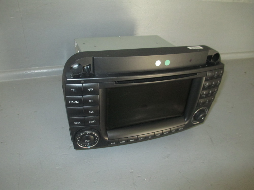 mercedes benz navigation gps radio a2208205989 used. Black Bedroom Furniture Sets. Home Design Ideas