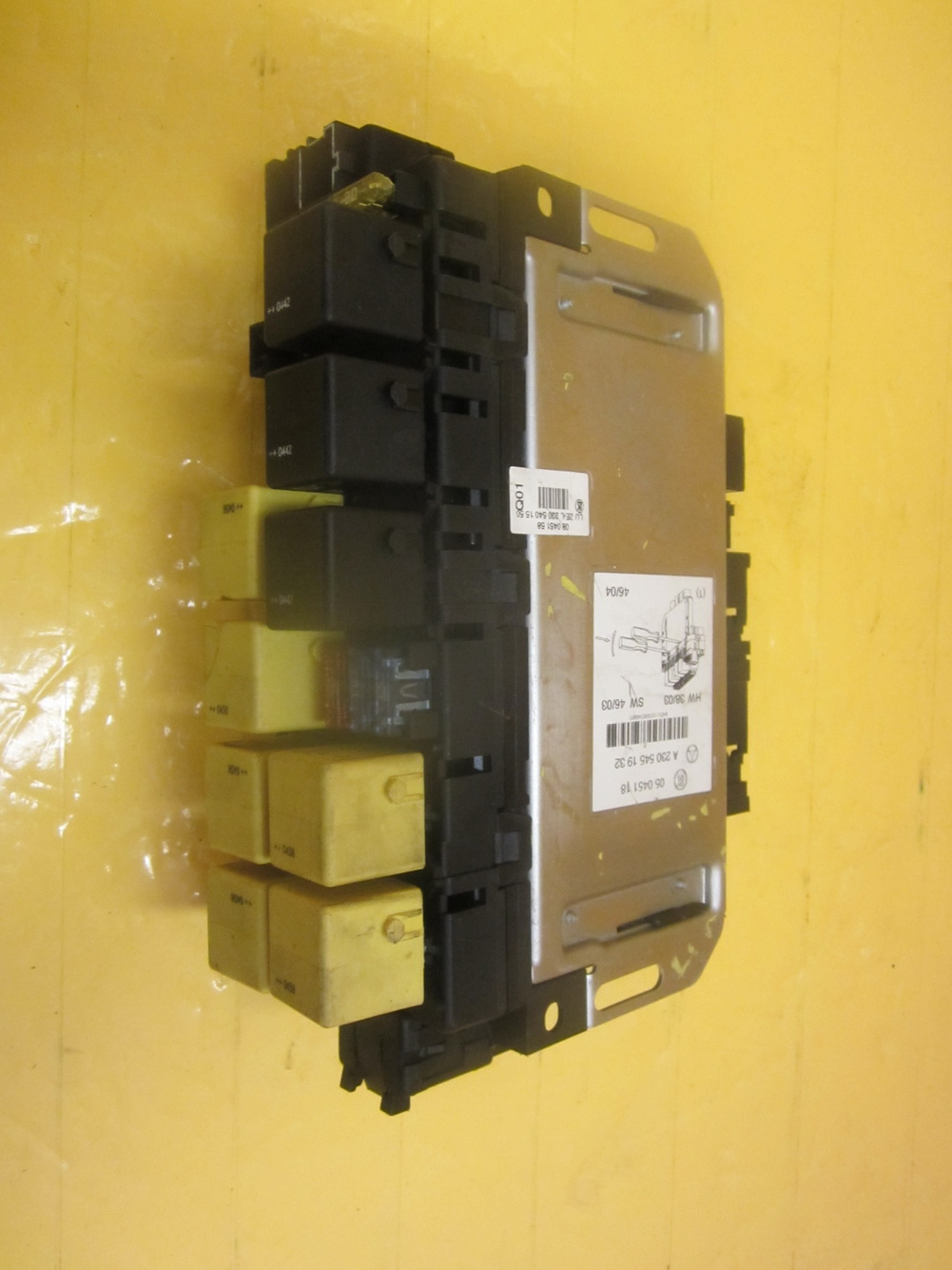 230 545 19 32 Mercedes Benz Sl500 Fuse Box 2305451932  Used Auto Parts