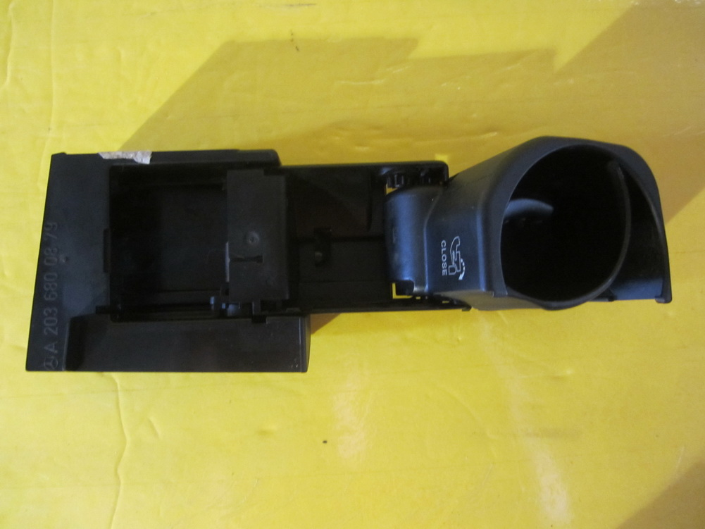 Mercedes benz cup holder 2036800879 used auto parts for Mercedes benz cup