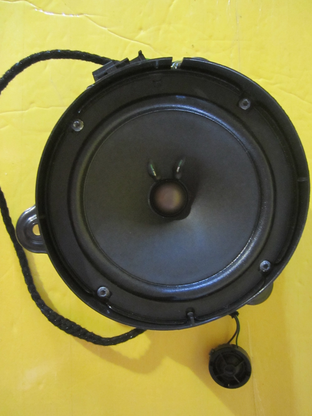 Mercedes benz speaker 2158200202 used auto parts for Mercedes benz audio upgrades