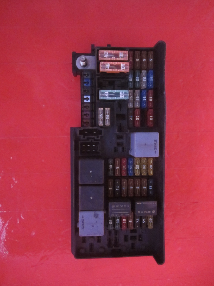 Mercedes Benz - Fuse Box