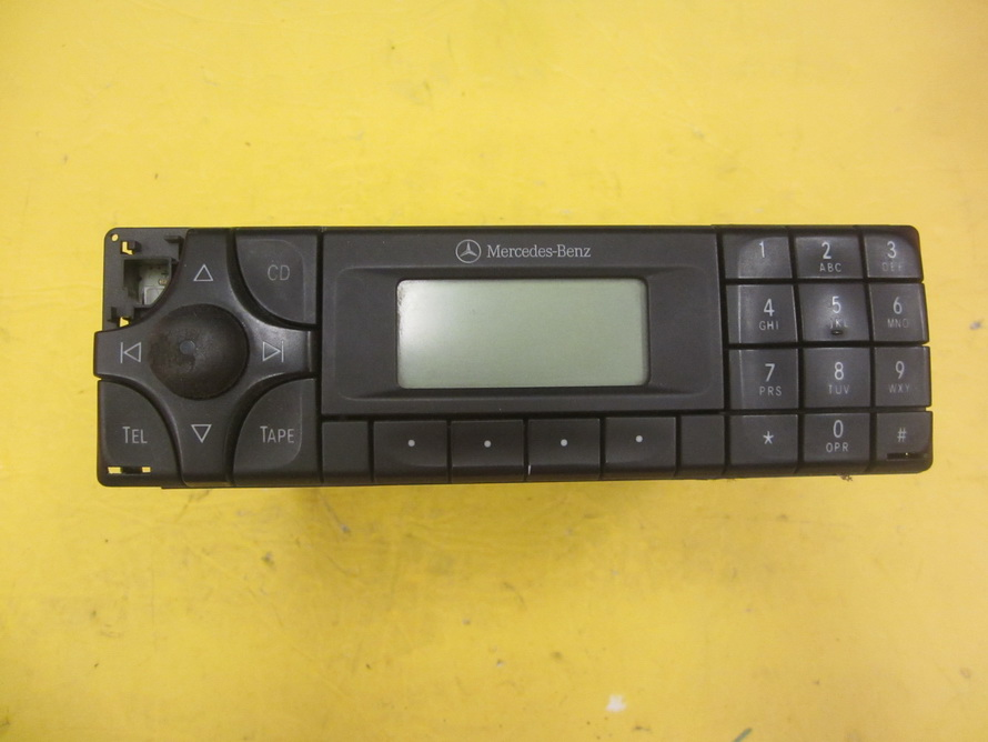 Mercedes benz cd player a2088200586 used auto parts for Mercedes benz cd player