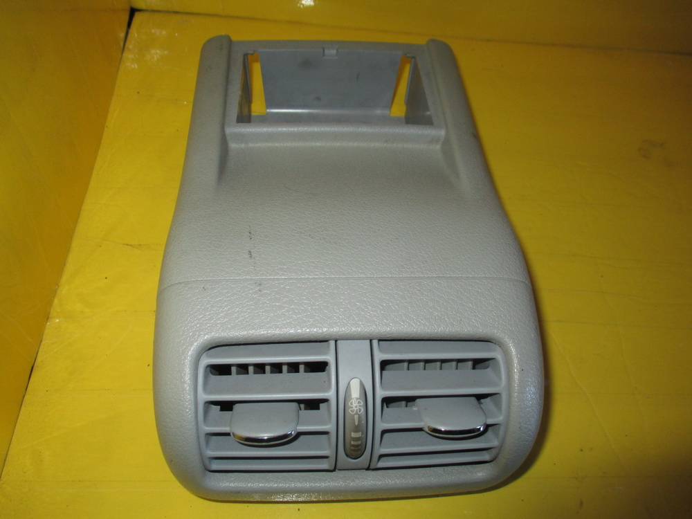 Mercedes benz air vent dash 208302154 used auto parts for Auto parts for mercedes benz