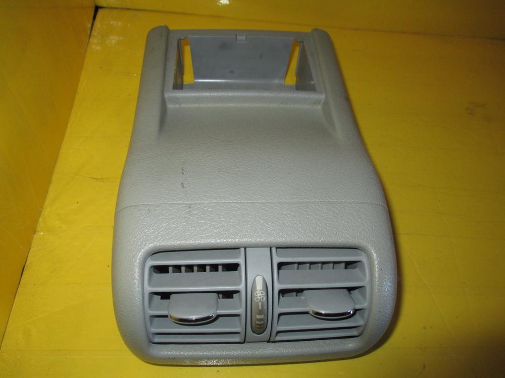 Mercedes benz air vent dash 208302154 used auto parts for Auto parts for mercedes benz
