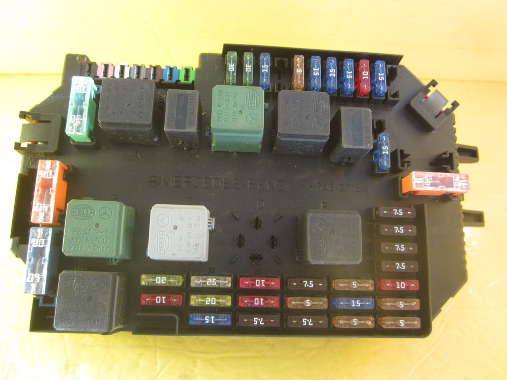 mercedes benz 220 fuse box mercedes benz - fuse box - 2219067200: used auto parts ... mercedes benz 300d fuse box