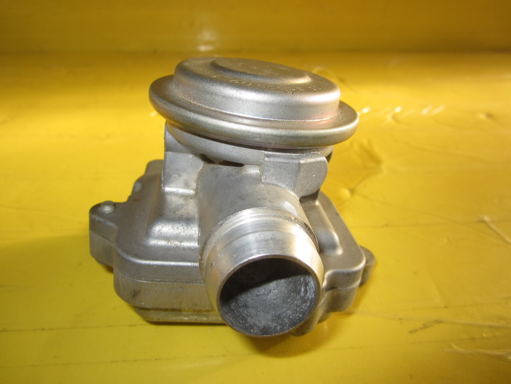 Mercedes benz egr valve shut off valve left 0021407460 for Mercedes benz egr valve