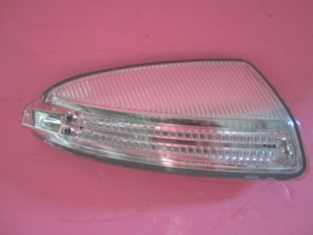 Mercedes benz c300 c350 w204 right turn signal light for Mercedes benz c300 parts