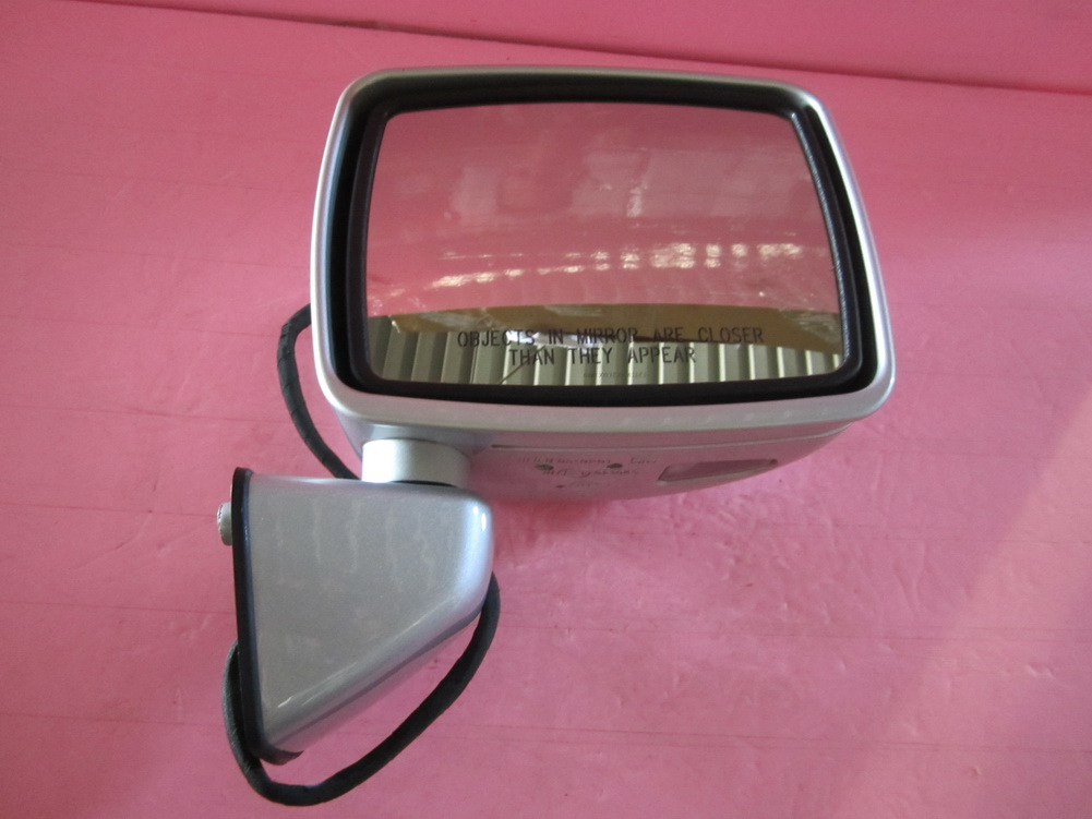 Mercedes benz g500 g55 mirror door 463 used auto for Mercedes benz mirror