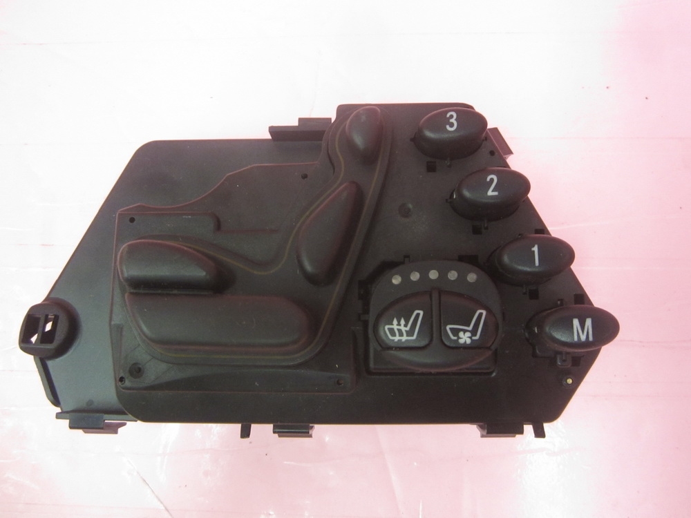 Mercedes benz seat switch 2208213858 used auto parts for Auto parts for mercedes benz
