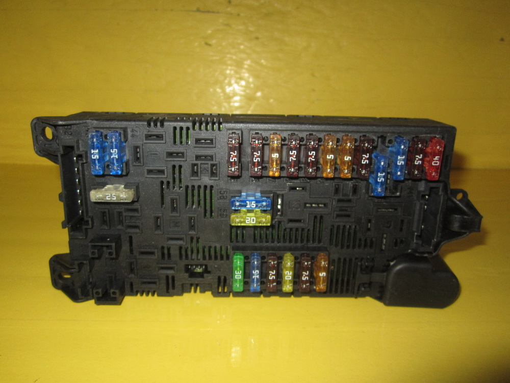Components Of Fuse Box : Mercedes benz fuse box used auto parts