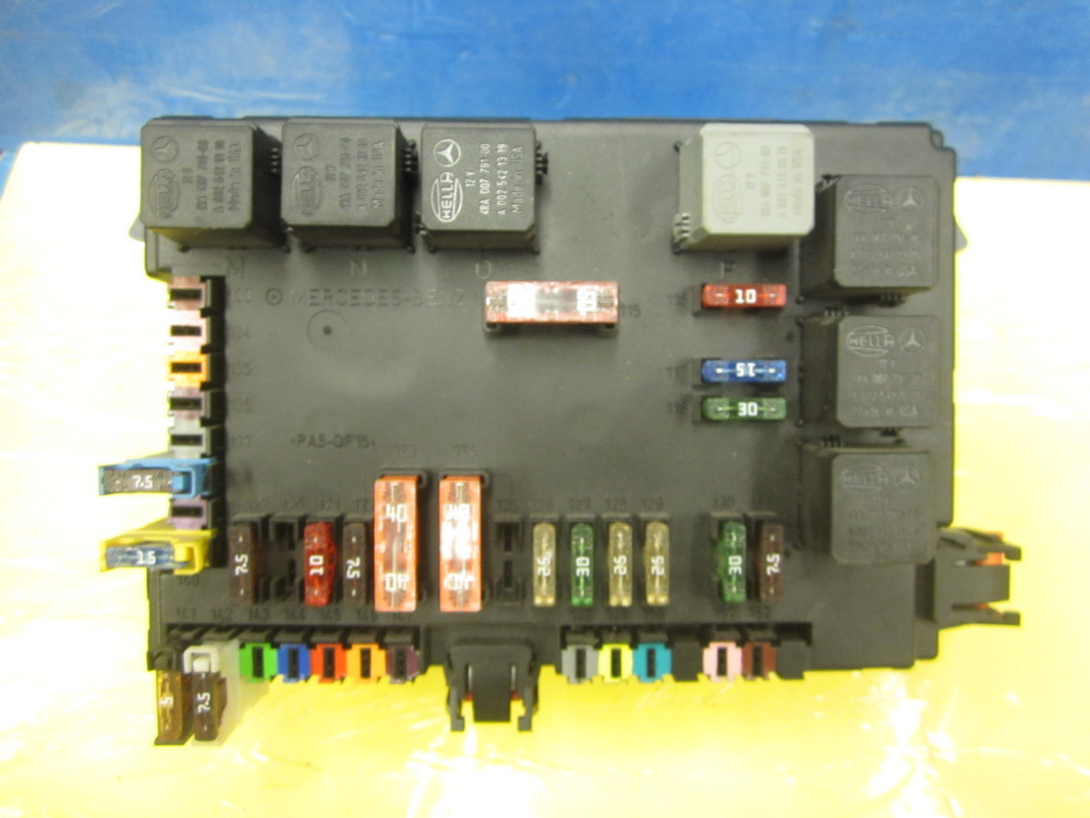 mercedes benz fuse box 2215403550 used auto parts. Black Bedroom Furniture Sets. Home Design Ideas