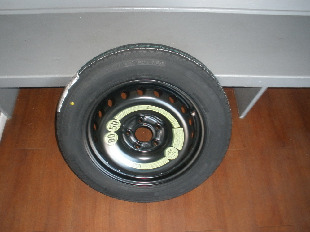 Mercedes benz spare tire t135 80r17 used auto parts for Mercedes benz tyres