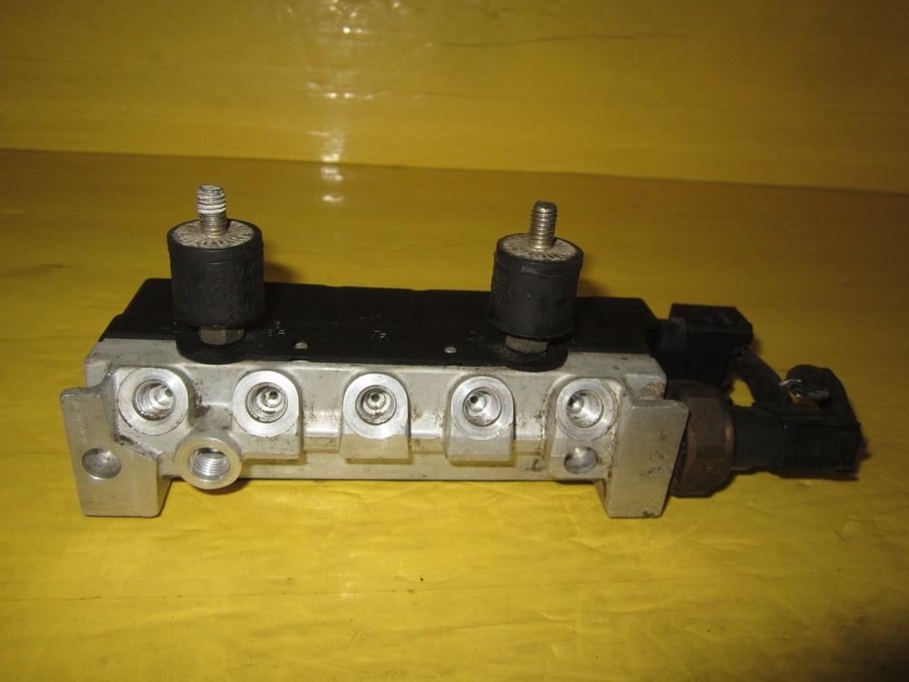 Mercedes benz suspension control a2203200258 used for Mercedes benz automobile parts