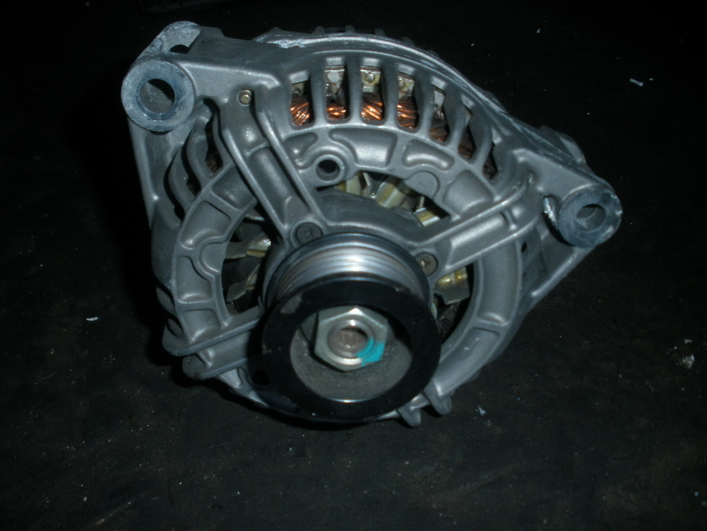Mercedes benz alternator 0111549102 used auto parts for Used parts for mercedes benz
