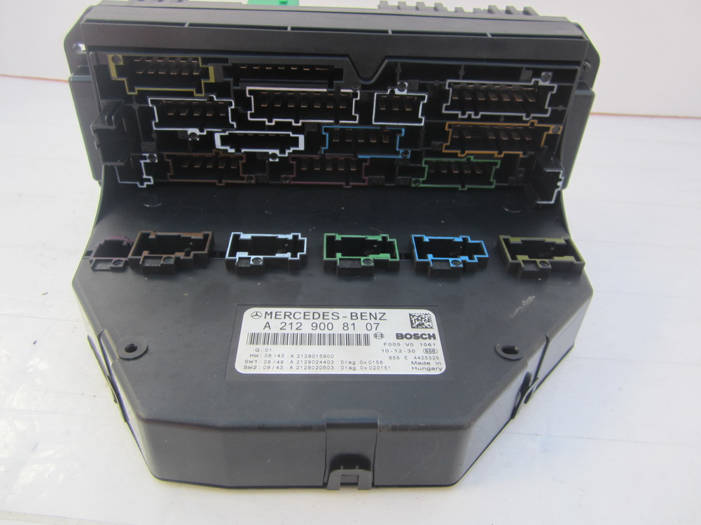 212 900 81 07 mercedes benz fuse box 2129008107 used 01 toyota sequoia fuse box