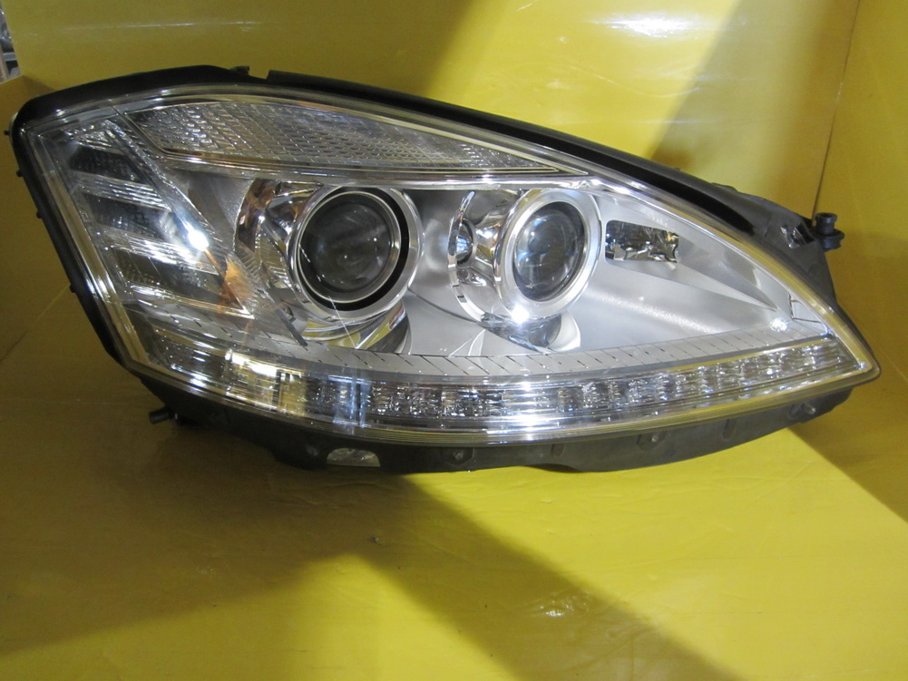 Mercedes benz headlight 2218205859 used auto parts for Used mercedes benz auto parts