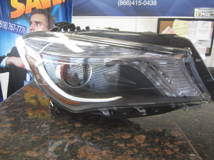 Mercedes benz headlight 1179066800 used auto parts for Mercedes benz used auto parts