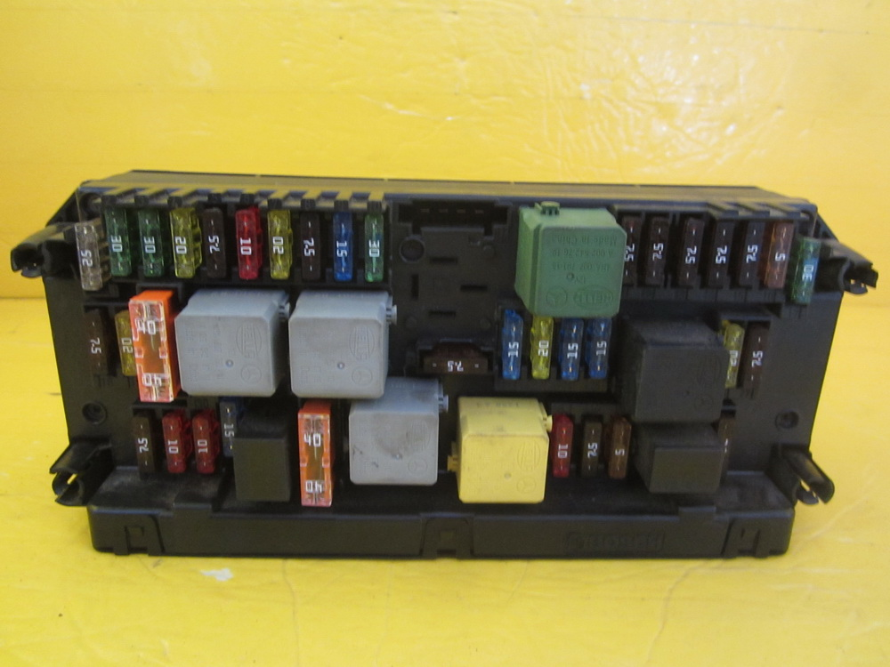 fuse box 2129005912 used auto parts mercedes benz fuse box cover car truck parts ebay