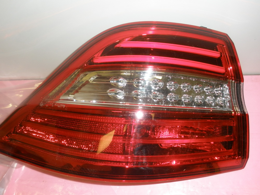 mercedes benz ml550 ml63 ml350 taillight tail light