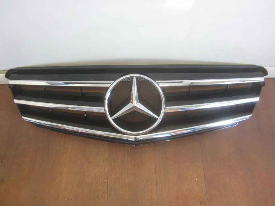 Mercedes benz grille grill 2048800023 used auto parts for Mercedes benz grill