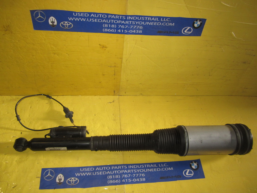 Mercedes benz strut shock 2203201213 used auto for Used mercedes benz auto parts