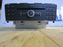 Mercedes Benz - CD PLAYER  FOR PART ONLY NOT WORKING - 2048700396