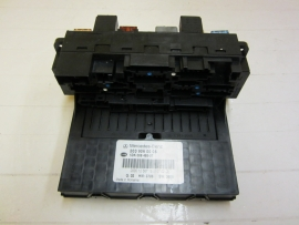Mercedes Benz - Fuse Box - 203 906 0005