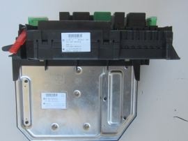 Mercedes Benz - Fuse Box - 2215450001