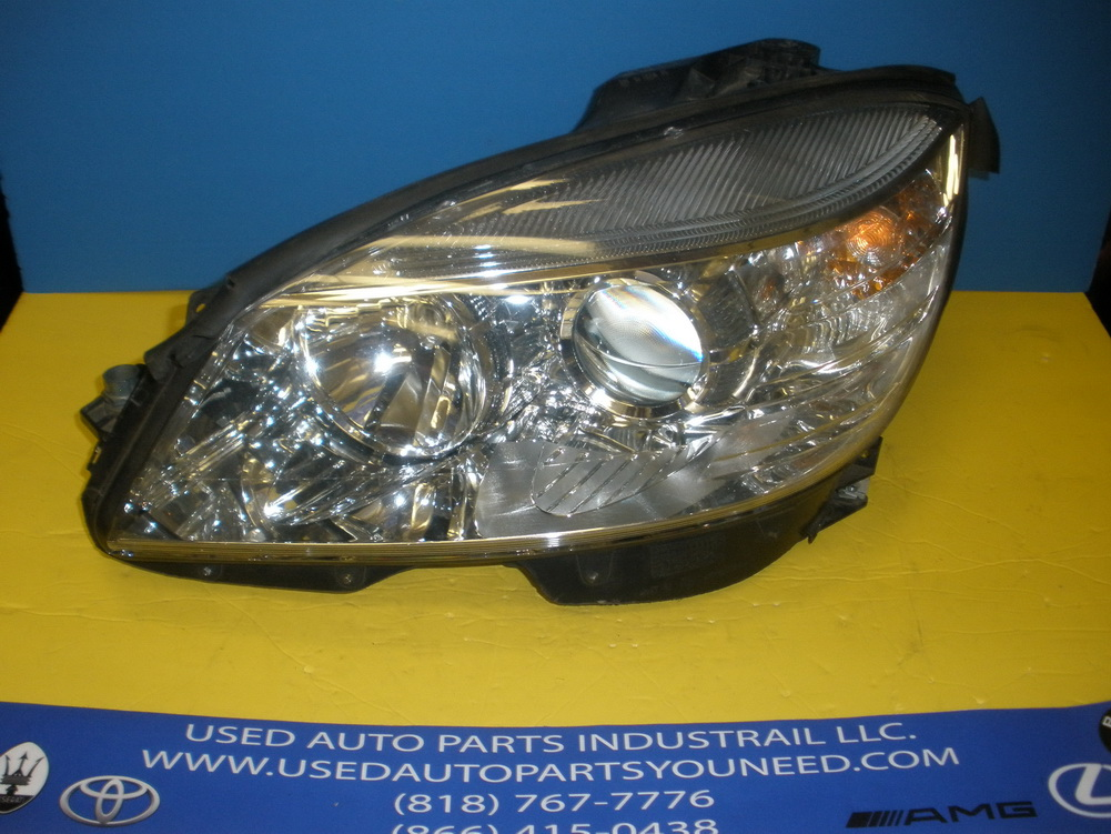 Mercedes benz headlight a2048200761 used auto parts for Used mercedes benz auto parts