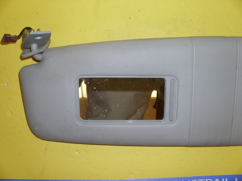 Bmw Sunvisor Sun Visor 20052008525 Used Auto Parts