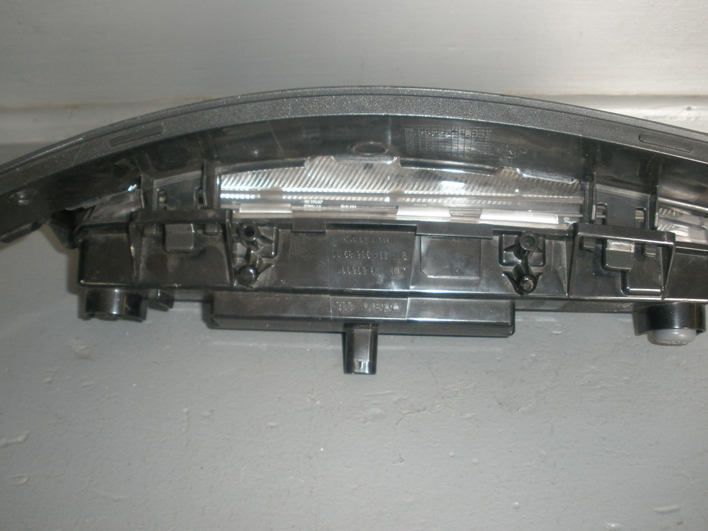 Mercedes benz bumper daytime running light 2049068900 for Used parts for mercedes benz
