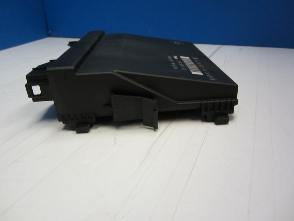 Mercedes benz control unit 2098205226 used auto parts for Used parts for mercedes benz