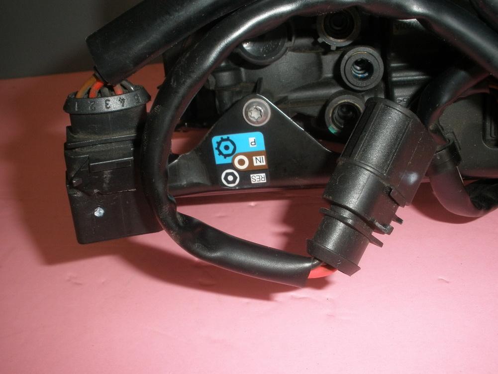 Porsche Rear Suspension Ride Control Compressor Restraint