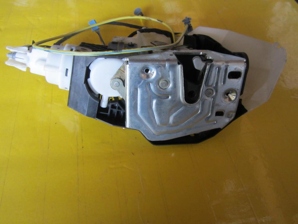 Mercedes benz door lock door latch 220 730 50 35 for Mercedes benz door lock problem