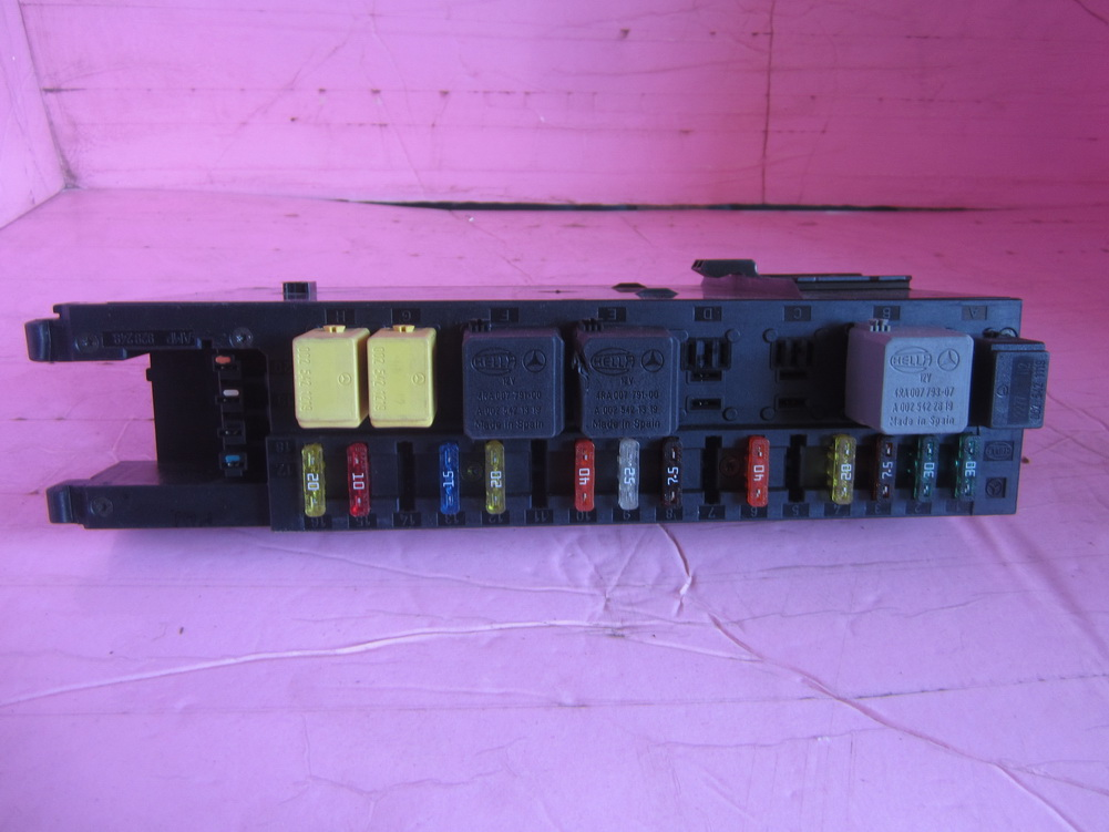 mercedes benz e320 - fuse box - 0035450001: used auto ... 2003 mercedes e320 fuse box 1996 mercedes e320 fuse box diagram #13