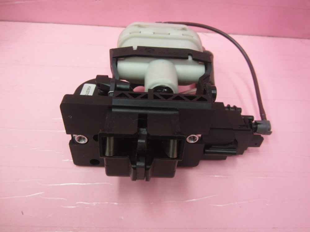 Mercedes benz trunk lid lock 2307500185 used auto for Performance parts for mercedes benz