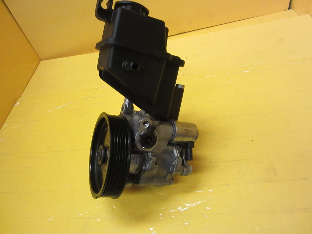 Mercedes benz power steering pump 0064665701 used for Used parts for mercedes benz