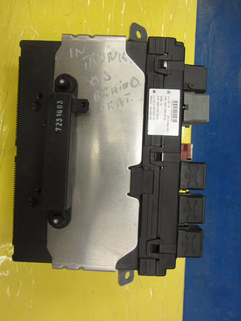 Mercedes Benz Fuse Box 2215403550 Used Auto Parts