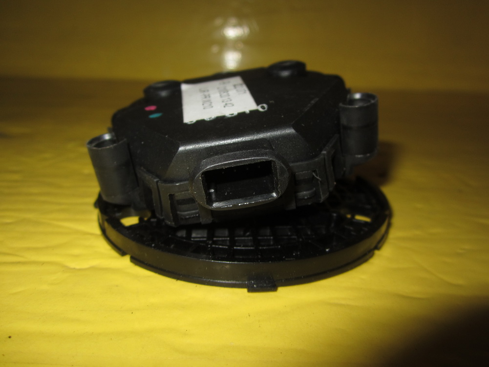 Mercedes benz mirror motor 2108201342 used auto parts for Used mercedes benz auto parts