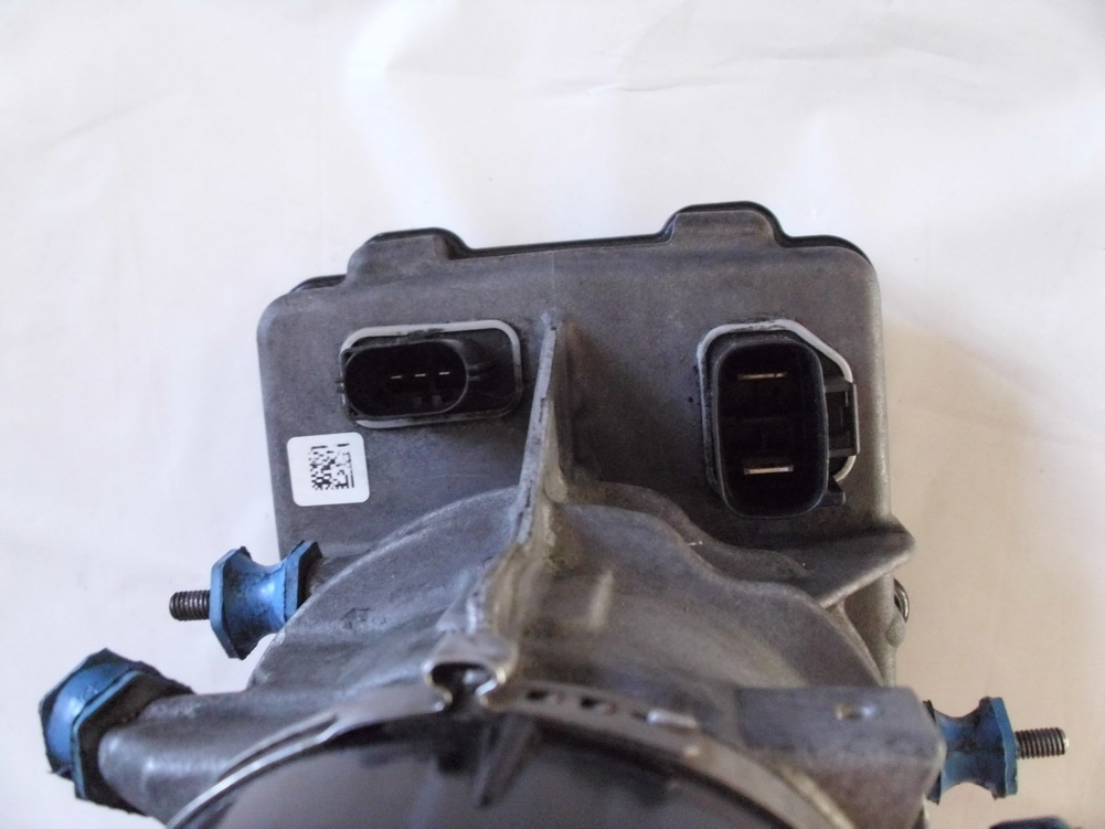 221 460 0880 mercedes benz s63 power steering pump for Used mercedes benz parts