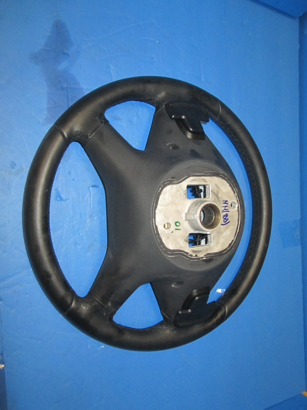 Mercedes benz steering wheel 212 460 0403 used auto for Mercedes benz steering wheel