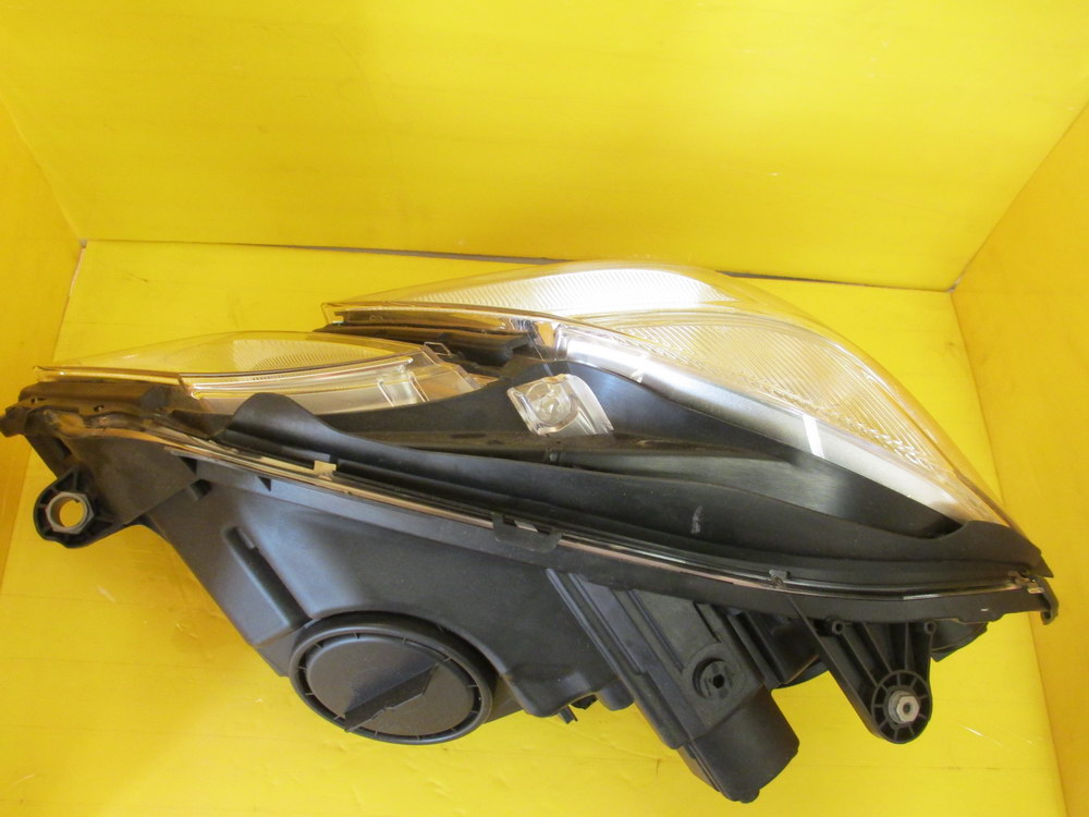 Mercedes benz headlight a 212 820 8661 used auto for Auto parts for mercedes benz