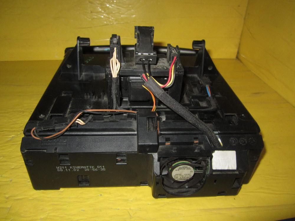 Mercedes benz cd changer switch control 2116800552 for Mercedes benz auto parts