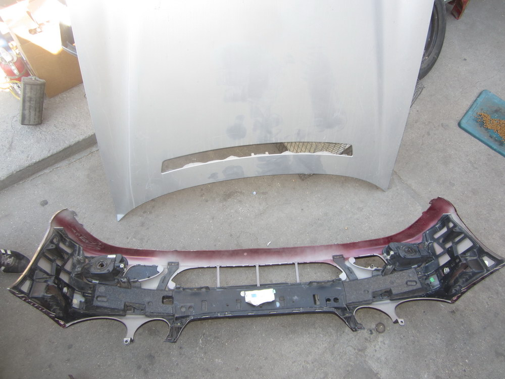 Mercedes benz bumper 2118800040 used auto parts for Used parts for mercedes benz