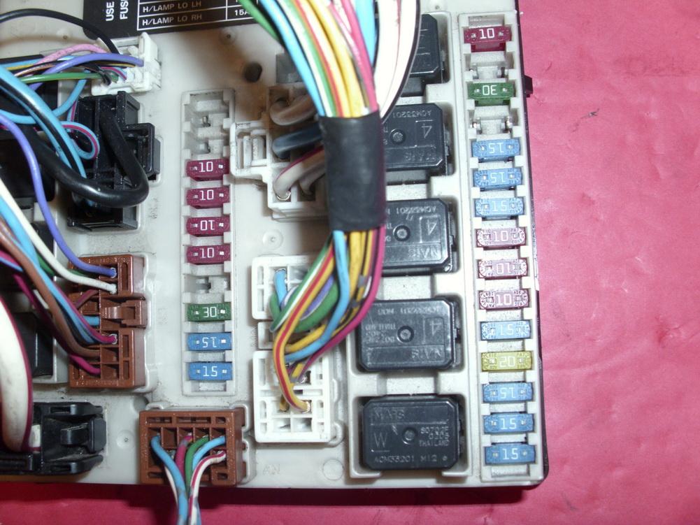nissan versa sentra altima fuse box pp t30 m10 used auto nissan versa sentra altima fuse box pp t30 m10