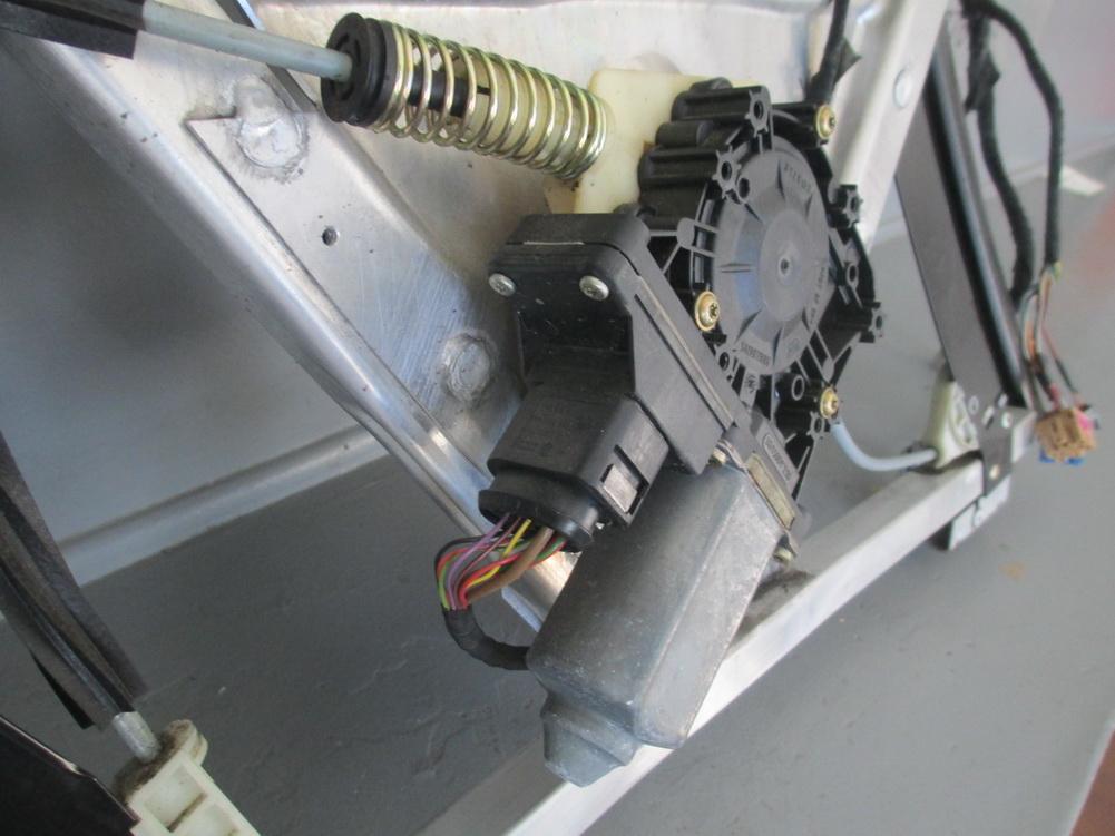 Audi window regulator left used auto parts mercedes benz used parts bmw used parts for 2000 audi tt window regulator